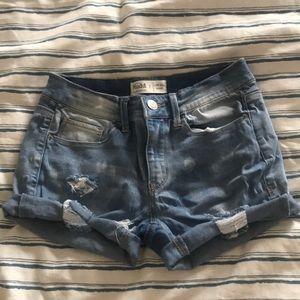 Women's low-rise jean shorts